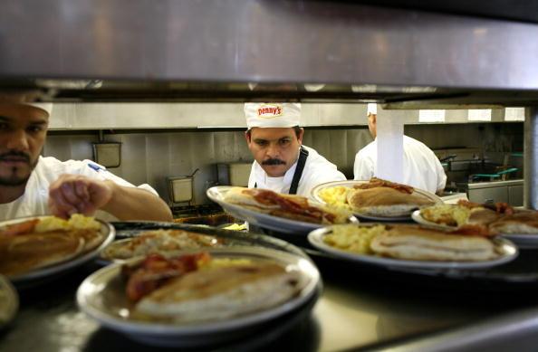 Breakfast「Denny's Offers Free Breakfast In Effort To Aggressively Promote Sales」:写真・画像(10)[壁紙.com]