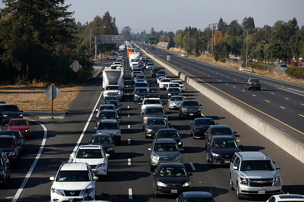 Highway「Kincade Fire Continues To Burn, Causing Evacuations And Power Outages」:写真・画像(19)[壁紙.com]