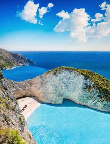 Limestone「Shipwreck on the Beach Navagio in Zakynthos, Greece」:スマホ壁紙(13)