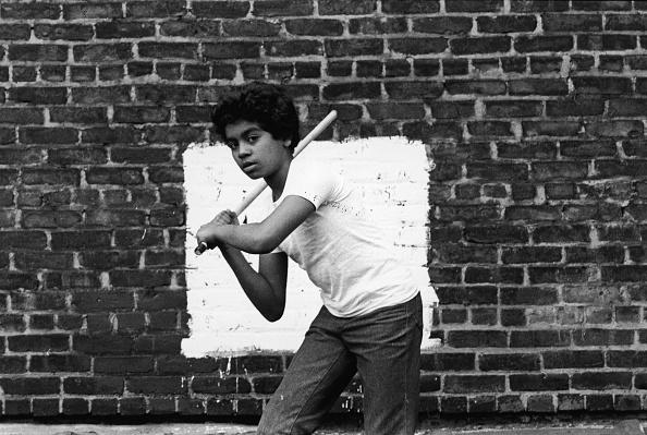 Behind「Stickball In NYC」:写真・画像(12)[壁紙.com]