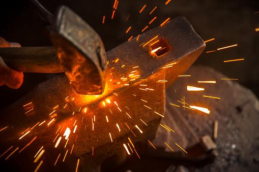 Workshop「A Hammer Beat Causes Sparks」:スマホ壁紙(13)