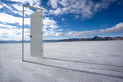 Handle「The Door to Nowhere」:スマホ壁紙(5)