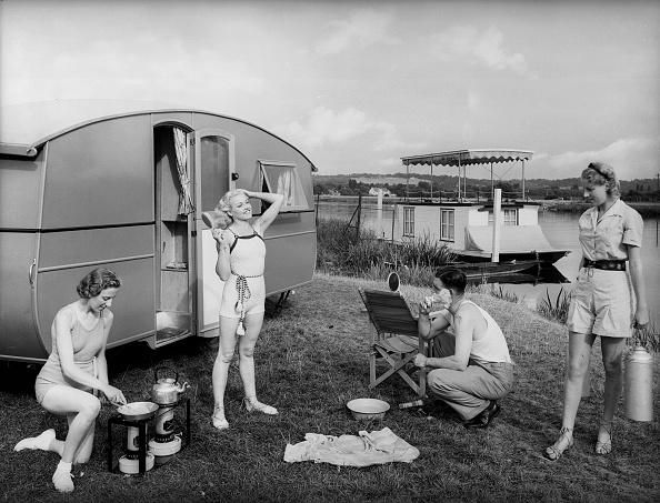 Camping「Caravan Trippers」:写真・画像(1)[壁紙.com]