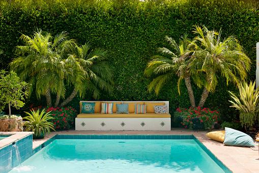 Hedge「Santa Monica home of textile and interior designer Kathryn Ireland」:スマホ壁紙(15)