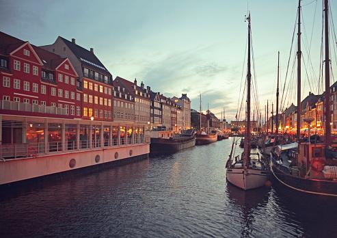 Danish Culture「Nyhavn in Copenhagen, Denmark at dusk.」:スマホ壁紙(2)