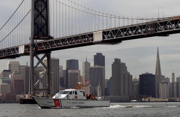 San Francisco-Oakland Bay Bridge「Security Heightens As War In Iraq Continues」:写真・画像(15)[壁紙.com]