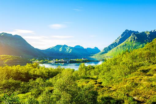 Mountain Peak「Spectacular mountain scenery of Lofoten Islands, Norway」:スマホ壁紙(15)