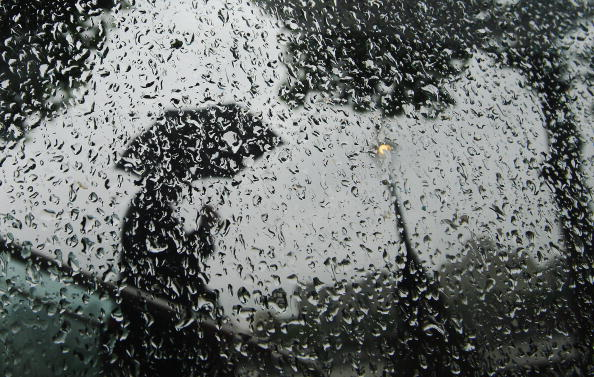 Shower「One Month's Rainfall Expected In One Day」:写真・画像(3)[壁紙.com]