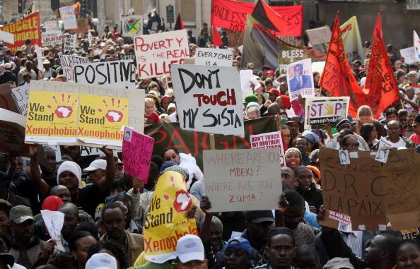 John Moore「Thousands Protest Attacks Against Immigrants」:写真・画像(13)[壁紙.com]