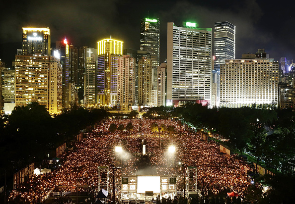 Jessica Hromas「Hong Kong Marks 25th Anniversary Of Tiananmen Square Protests With Candlelight Vigil」:写真・画像(12)[壁紙.com]