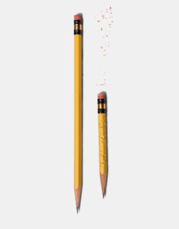 Pencil「Long sharp pencil and short chewed pencil」:スマホ壁紙(15)