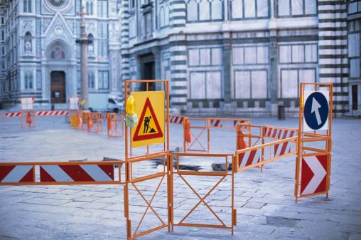 Restoring「Italian landmark and tourist attraction disrupted by public roadworks」:スマホ壁紙(0)