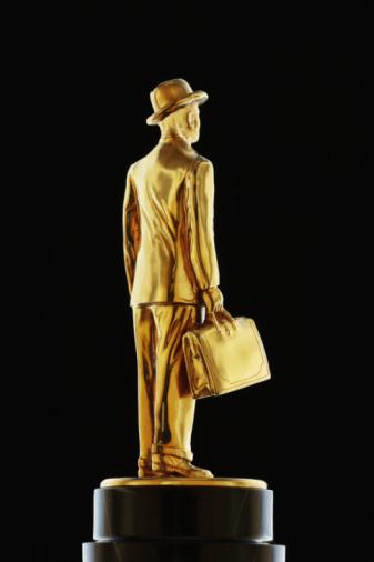 Metallic「gold business man statue」:スマホ壁紙(13)
