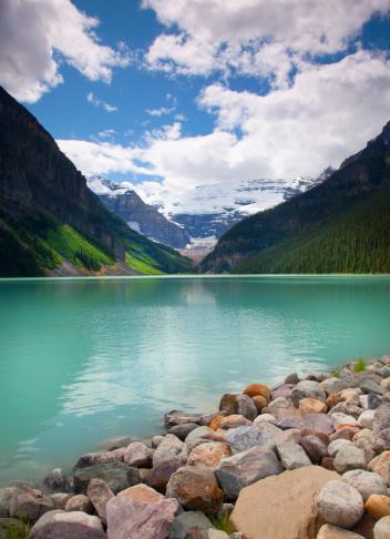 グリーン山脈「Lake Louise.」:スマホ壁紙(9)