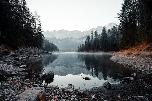Bavaria「Beautiful mountain lake」:スマホ壁紙(12)