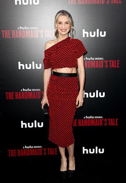 "Mann Theaters「Premiere Of Hulu's ""The Handmaid's Tale"" Season 2 - Red Carpet」:写真・画像(13)[壁紙.com]"
