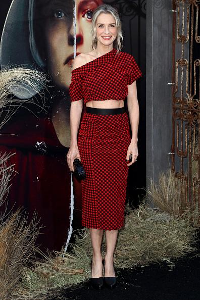 "Mann Theaters「Premiere Of Hulu's ""The Handmaid's Tale"" Season 2 - Red Carpet」:写真・画像(14)[壁紙.com]"
