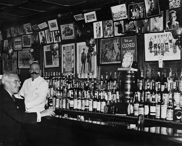 Bar Counter「Bill's Gay Nineties」:写真・画像(1)[壁紙.com]