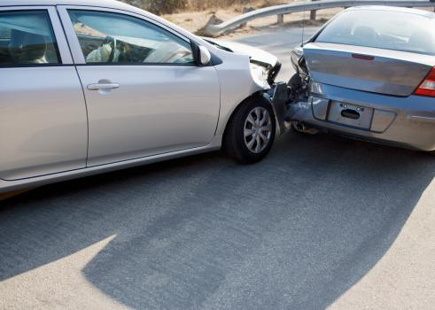 Crash「Two cars in collision on roadway」:スマホ壁紙(5)