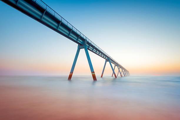 France, Gironde, Arcachon, La Salie, View along elevated walkway leading across sea:スマホ壁紙(壁紙.com)