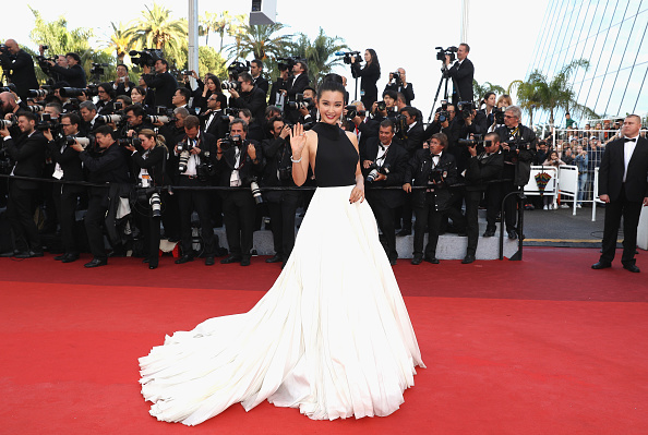 "Li Bingbing「""Cafe Society"" & Opening Gala - Red Carpet Arrivals - The 69th Annual Cannes Film Festival」:写真・画像(14)[壁紙.com]"