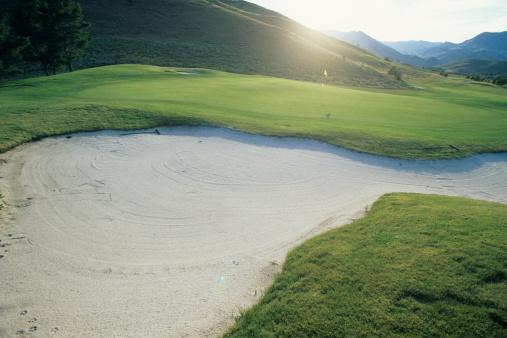 Sand Trap「Deserted golf course green and bunker」:スマホ壁紙(9)