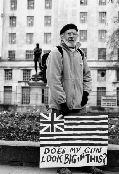 Tom Stoddart Archive「Anti War Protester」:写真・画像(15)[壁紙.com]