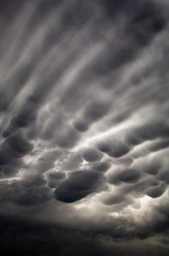 Mammatus Cloud「Bubbly storm clouds」:スマホ壁紙(19)