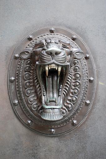 Roaring「Door ornament with lion」:スマホ壁紙(17)