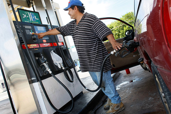 Hurricane Ike「Average Gas Prices Rise 17 Cents In Wake Of Hurricane Ike」:写真・画像(14)[壁紙.com]