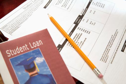 Paying「Student loan paperwork」:スマホ壁紙(12)