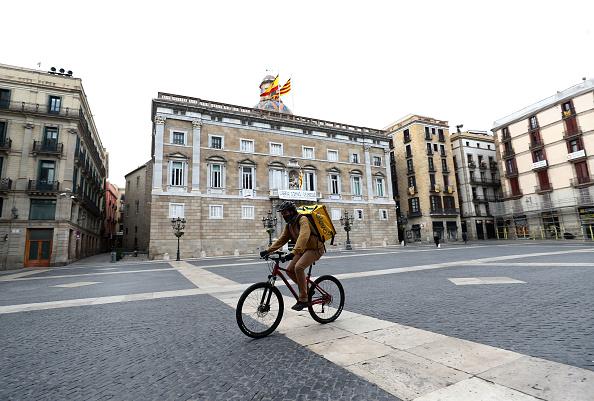 Spain「Spain Continues Nationwide Lockdown To Combat The Coronavirus」:写真・画像(8)[壁紙.com]
