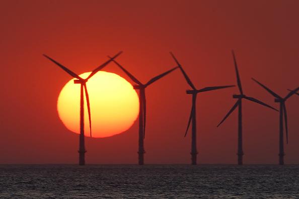 Sun「Sunset at Burbo Bank Windfarm」:写真・画像(7)[壁紙.com]