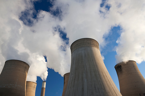 Power Equipment「Cooling towers at a coal fueled power station.」:スマホ壁紙(2)