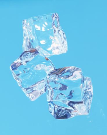Ice「Ice cubes」:スマホ壁紙(8)