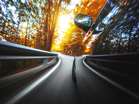 Traffic「motion blur car on the road」:スマホ壁紙(18)