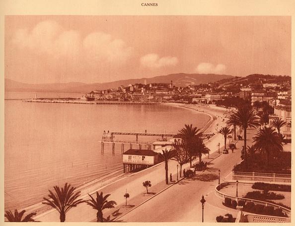 Curve「The Croisette And Mont Chevalier」:写真・画像(11)[壁紙.com]