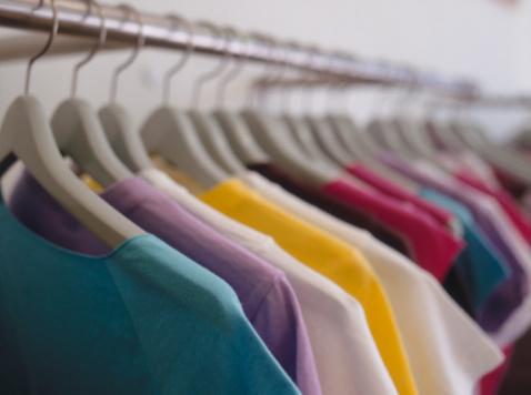 Cool Attitude「T-shirts on Hangers」:スマホ壁紙(17)