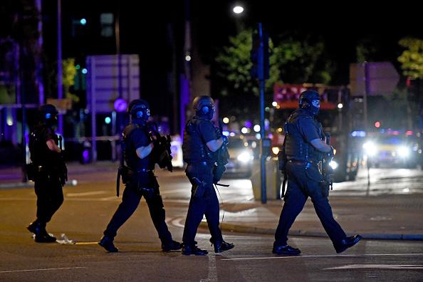 Carl Court「Police Attend Incident At London Bridge」:写真・画像(19)[壁紙.com]