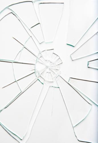 Destruction「Shattered glass」:スマホ壁紙(14)