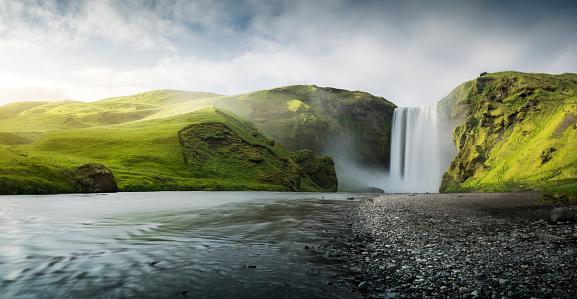River「Skogafoss Waterfall」:スマホ壁紙(19)