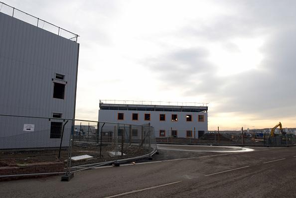 Overcast「Construction of new warehouses, Beckton, East London, UK」:写真・画像(17)[壁紙.com]
