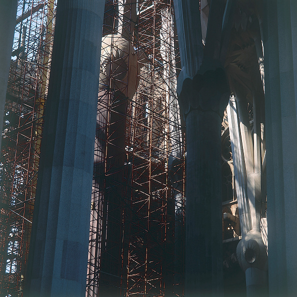 サグラダ・ファミリア「Construction of interior tree Columns. Sagrada Familia Cathedral, designed by Antoni Gaudi. Barcelona, Catalunya, Spain.」:写真・画像(17)[壁紙.com]