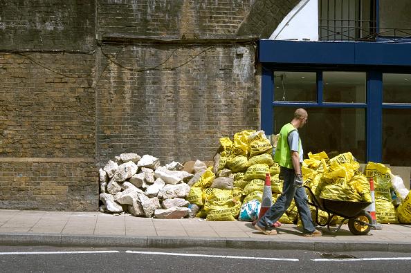 Heap「Construction waste on a pavement」:写真・画像(12)[壁紙.com]