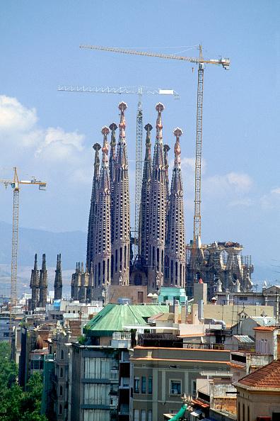 サグラダ・ファミリア「Construction of the Sagrada Familia cathedral. Barcelona, Catalunya, Spain. Cathedral designed by Antoni Gaudi.」:写真・画像(15)[壁紙.com]