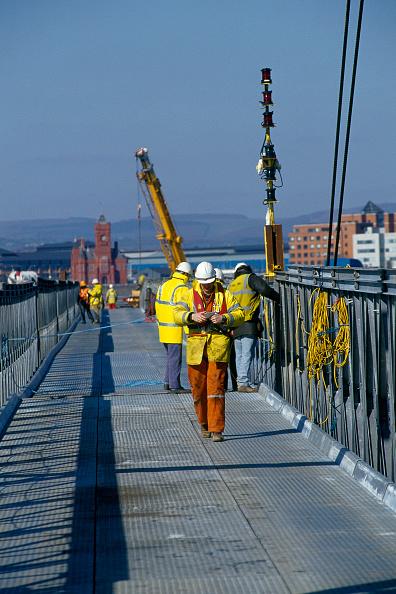 2002「Construction..........」:写真・画像(8)[壁紙.com]