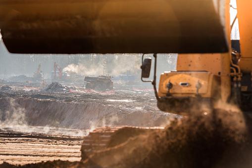 Earth Mover「Construction site」:スマホ壁紙(1)