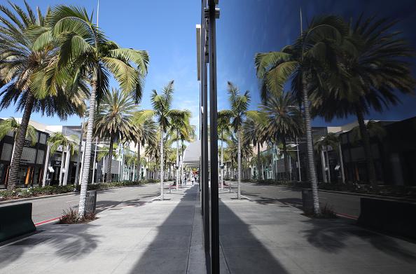 Tree「Businesses Close Stores Nationwide In Response To Coronavirus Pandemic」:写真・画像(11)[壁紙.com]