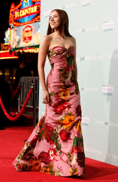 """Brown Hair「Premiere Of Warner Bros. """"He's Just Not That Into You"""" - Arrivals」:写真・画像(6)[壁紙.com]"""