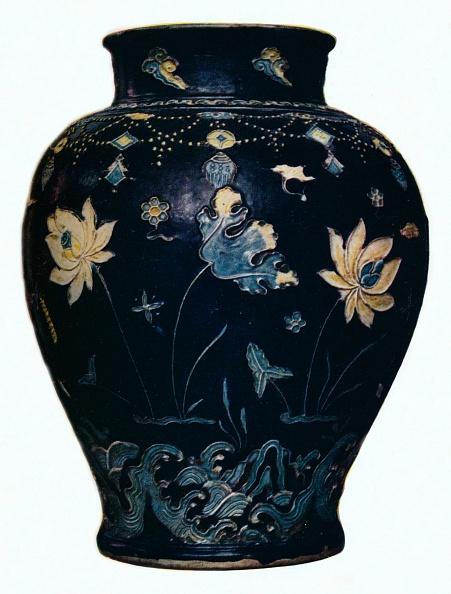 Ceramics「'Ming Dynasty, Fahua vase', 15th century. Artist: Unknown.」:写真・画像(13)[壁紙.com]